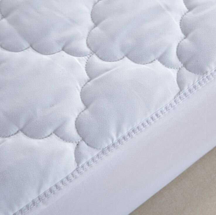 Elastic White Mattress Cover